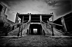 Uqair fort 2 (www.thameralhassan.com Thamer Al-Hassan) Tags: uk travel england building london abandoned architecture photography photo scary nikon photographer image britain 10 great picture best haunted spooky stunning horror mansion saudiarabia hallow d300 architectures saudia   alhassan thamer      jrpcontest2010  thameralhassan