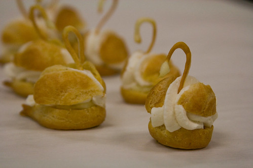 pate a choux swans