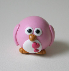 Big Pink Penguin (fliepsiebieps1) Tags: pink blue boy cute love girl hearts penguin polymerclay round figure figurine fliepsiebieps