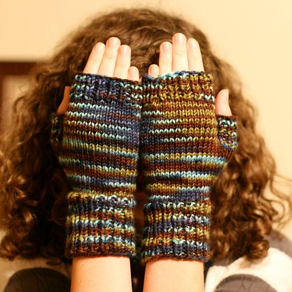 Ravelry Fast Easy Fingerless Mitts V60 Circular Pattern By Lisa Unique Fingerless Gloves Knitting Pattern Circular Needles