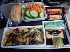 Delta Airlines Pasta dinner AMS-PDX (orclimber) Tags: food plane airplane delta airline meal airlines