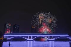 2017高雄燈會煙火 (王宇信) Tags: dsc0980613 夜景 高雄 煙火 firework 煙火秀 taiwan kaohsiung 愛河 sony a6000 光榮碼頭 e16 sel16f28 高雄燈會