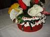 scatola decorata con bordo all'uncinetto e composizione floreale (uncinetto_patrizia) Tags: e di fiori con composizione zucchero cestino alluncinetto inamidato