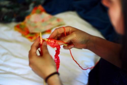 mama knitting
