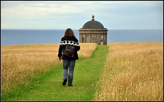 Northern Ireland. E. and Mussenden Temple. (fotoren) Tags: sea castle walking temple coast horizon perspective northernireland nationaltrust atlanticocean mussendentemple downhillhouse countylondonderry downhillcastle noordierland nikond90 dfpro2326546 iamnikon