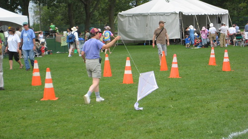 Kite-Making @ Ottawa Folk Festival 016Random Act of Craftiness: Kite-Making @ Ottawa Folk Festival