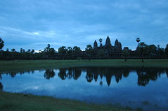 Waiting for the sun (FallenA) Tags: sunrise reflections cambodia angkorwat siemreap 1224mmf4