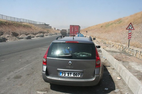 Private taxi in Turkey, Taxi from Ibrahim Khalil border in Iraq to Cizre in Turkey August 2009