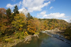 三段滝へ続く芦別川の流れ