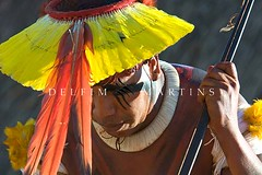 Kuarup na Adeia Aiha - Etnia  Kalapalo - Parque Indgena do Xingu. (Delfim Martins) Tags: cerrado dana homenagem indgena ndios kuarup pinturacorporal regiocentrooeste parqueindgenadoxingu aldeiakalapalo