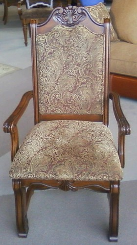 2009-11-13-donated-bishops-chair-front