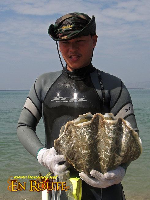 Anvaya Cove Clam Seeding
