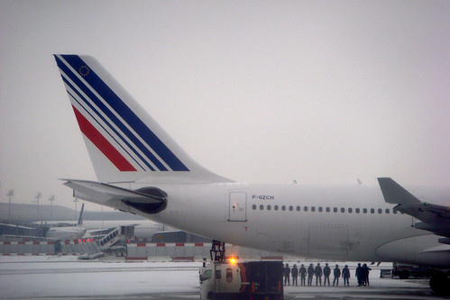 CDG airport snow