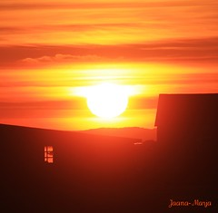 A cozy evening (Jaana-Marja) Tags: sunset house cosy volcanicsunset eyjafjallagos