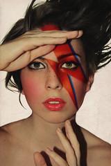 I love Bowie (S. Espigares) Tags: portrait music woman color rock fan galeria glam heroes rayo brixton davidbowie iman sane alladin ziggystardust spaceoddity diamonddog elduqueblanco soniaespigares