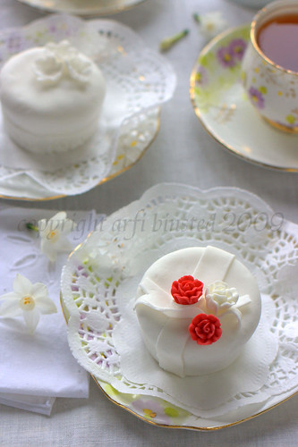 wedding cupcakes rszd by ab '09