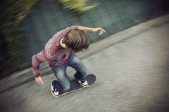 Vintage sKaTeBoArDeR ! (AntoineBussier) Tags: wood photoshop grenoble vintage post board teen skate saturation skateboard vans trucks process processed teenage rayures goudron vignetage biviers