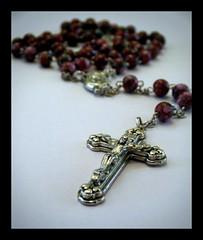 keep the faith (retro@heart) Tags: silver beads catholic bokeh faith rosary macrophoto 9909