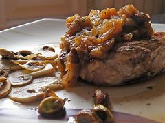 006 Magret de pato con chutney de manzana