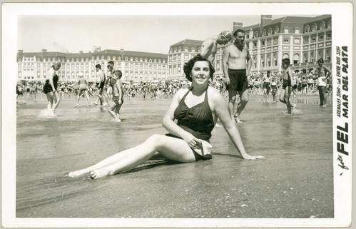 pinup on beach