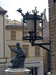 Rimini: piazza Cavour (Babj) Tags: sculpture lamp statue streetlamp rimini papa lantern statua lanterna lampada lampione emiliaromagna scultura piazzacavour