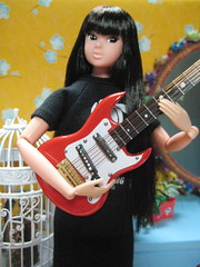 Dalia Loved Her Red Gibson Guitar (Girl Least Likely To) Tags: fashion toys miniatures bedroom dolls vinyl louise rement diorama dalia dollhouse sekiguchi momoko dollfurniture japanesetoys petworks asiandolls daisyd dollscene preppygirl