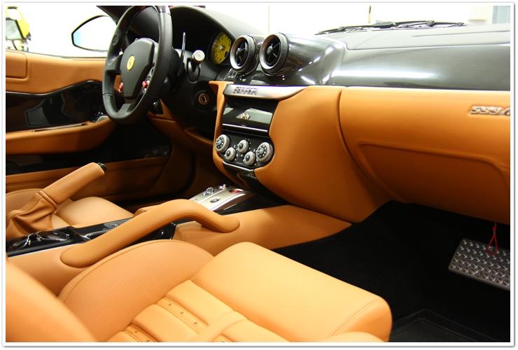 Ferrari 599 GTB interior