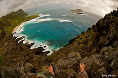Makapu'u Cliffsitting 127/365 (j . f o o j) Tags: panorama cliff feet hawaii nikon oahu fisheye f28 makapuu d300 105mm project365 mananaisland project365050711