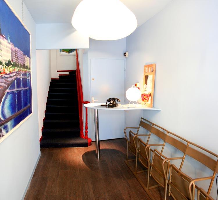 Réception Hotel Alnea Cannes sympa et cosy