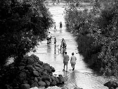 the old vistula bridge, warsaw, poland (mokotowska) Tags: bridge people blackandwhite bw river atmosphere poland warsaw situation wisa vistula oldbirdge