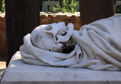 Rest (Bellwizard) Tags: barcelona sculpture cemetery grave graveyard death skull mort rip cementerio escultura tumba muerte rest dep tomba descanso montjuc crneo cementiri descans crani