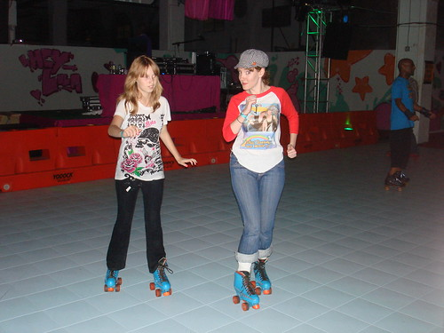 Ariel and Erica at Lola Staar's Dreamland Rollerrink