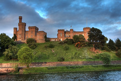 Inverness Castle, Scotland (**Anik Messier**) Tags: cliff castle scotland ghost inspire falaise chteau castlehill inverness riverness cosse invernesscastle mywinners williamburn kingduncan citrit betterthangood theperfectphotographer invernesssheriffcourt welcomeuk