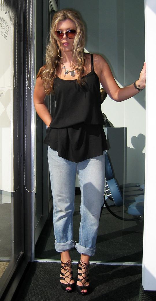 boyfriend-jeans-black-tank-blouse-lace-ups-1