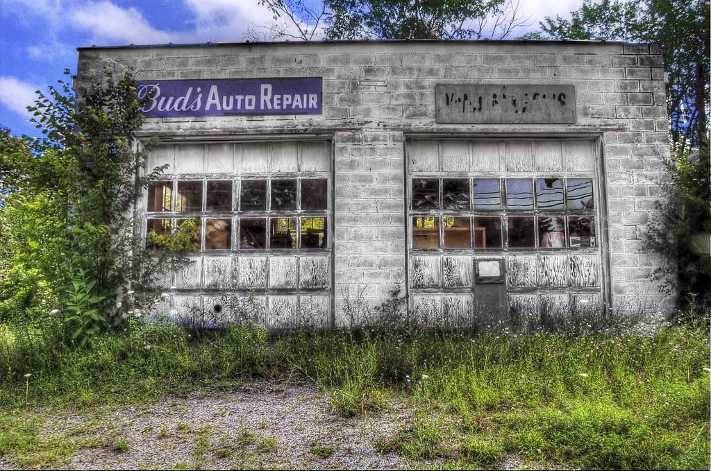 BUD'S AUTO REPAIR (hdr)
