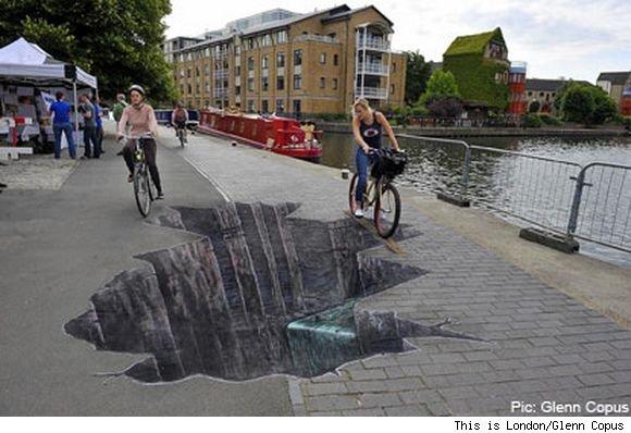 cyclist-hole-415x274-[gadling-bumper]