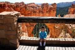 Daddy, Take My Picture (Robby Edwards) Tags: vacation utah nationalpark emily arch daughter naturalbridge brycecanyon brycecanyonnationalpark