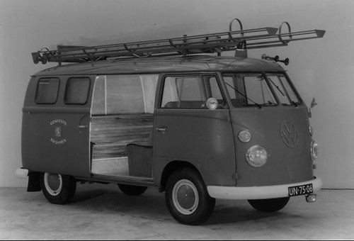 "UN-75-06 Volkswagen Transporter bestelwagen 1964 • <a style=""font-size:0.8em;"" href=""http://www.flickr.com/photos/33170035@N02/4053241234/"" target=""_blank"">View on Flickr</a>"