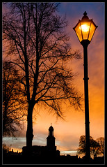 Quarry Park dawn (Mike Ashton) Tags: autumn sky orange tree lamp sunrise dawn nikon shropshire shrewsbury lampost quarrypark dapagroup stchadschurch dapagroupmeritaward dapagroupmeritaward1