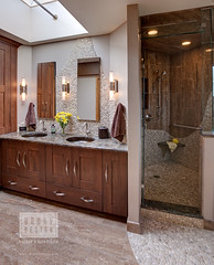 Transitional Bath (Drury Design Kitchen & Bath Studio) Tags: genevail bathroomrenovation masterbathremodeling designabath drurydesign transitionalbathdesign transitionalbathcabinetry