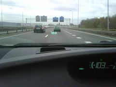 Cool: De nieuwe #Prius heeft een Heads Up kilometerteller! :-)