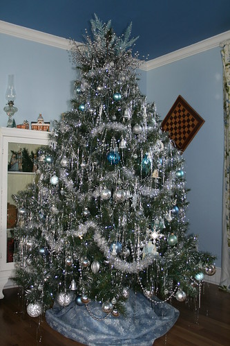 silver and blue guest room tree - Silver And Blue Christmas Tree