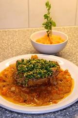 Ossobuco con gremolata mit Kürbis-Kartoffelstock