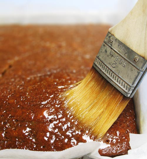 English Gingerbread Cake (brushing)