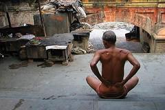 (mayukh_phys) Tags: india man canon bath oil shoulder kolkata ganges ghat witharnabda