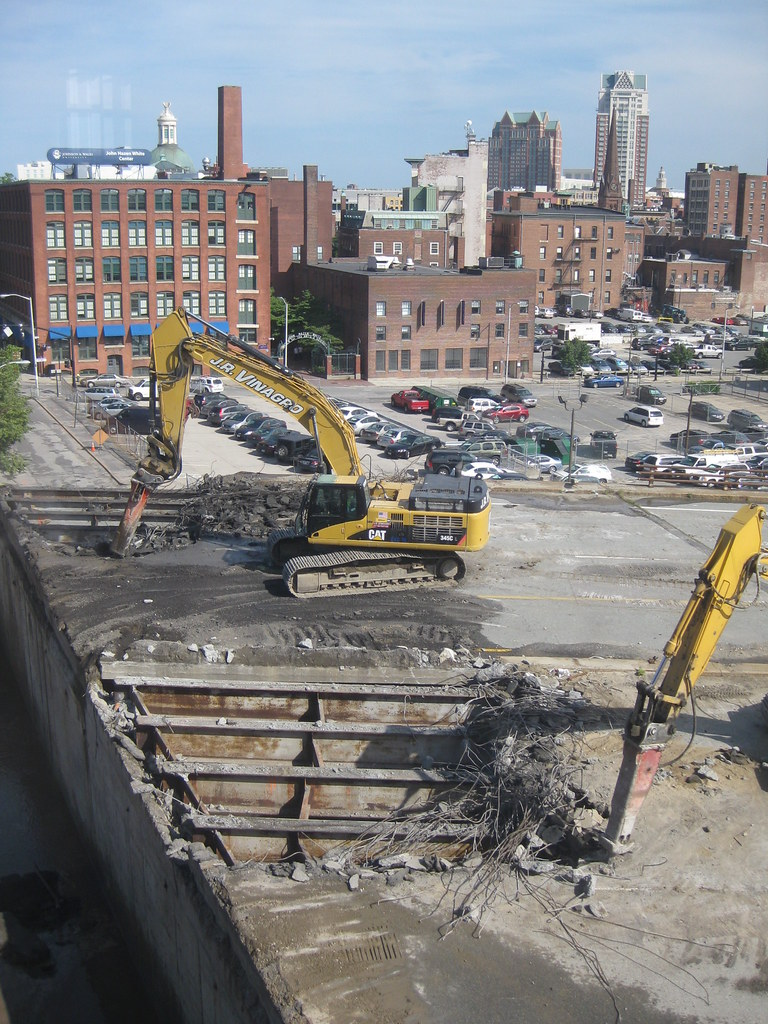 195 highway demolition