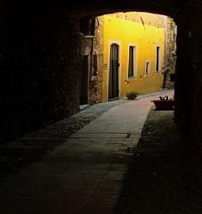 (paolomezzera) Tags: italy house color muro yellow wall paul liguria giallo cervo mezzer paulmezzer theauthorsplaza