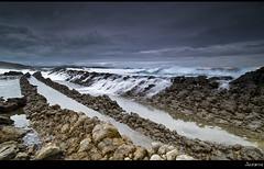 1109 (Cascada marina) (Joserra Irusta) Tags: longexposure sunset espaa costa clouds landscape atardecer nikon shorelines paisaje nubes olas cantabria wawes liencres largaexposicion joserrairusta d700 tamrom1735
