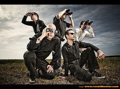 NIEMAND (lowonlands) Tags: music dutch ronald ranger band cover ringflash koster profoto elinchrom sekonic niemand l358 musicforoureyes