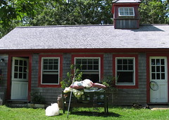 Vineyard Knit Works, exterior